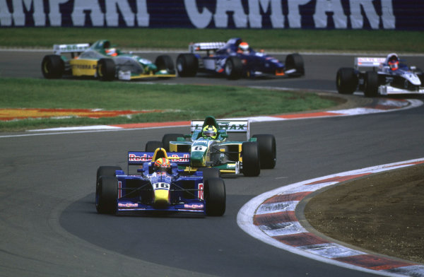2000 International Formula 3000 Championship.Nurburgring, Germany. 20 May 2000.Enrique Bernoldi leads at the start from Bruno Junqueira.World - Bellanca/LAT Photographic