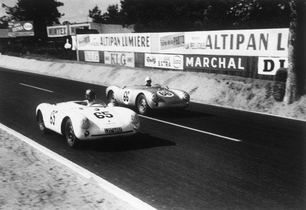Le Mans, France. 11 - 12 June 1955.Olivier Gendebien/Wolfgang Seidel (Porsche 550 RS Spyder #66), 5th position, passes Gustave Olivier/Josef Jeser (Porsche 550 #65), 18th position, action. World Copyright: LAT Photographic.Ref:  301 - 25.