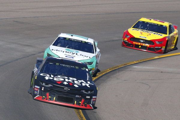 #1: Kurt Busch, Chip Ganassi Racing, Chevrolet Camaro Global Poker and #12: Ryan Blaney, Team Penske, Ford Mustang MoneyLion