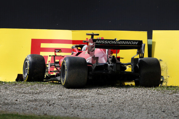Charles Leclerc, Ferrari SF21, hits the wall