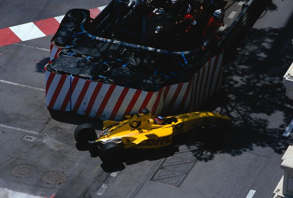 2002 Monaco Grand Prix.Monte Carlo, Monaco. 23-26 May 2002.Takuma Sato (Jordan EJ12 Honda) comes to a halt after hitting the barrier at the Nouvelle Chicane, after he had crashed earlier in the tunnel and slid all the way down.Ref-02 MON 07.World Copyright - LAT Photographic