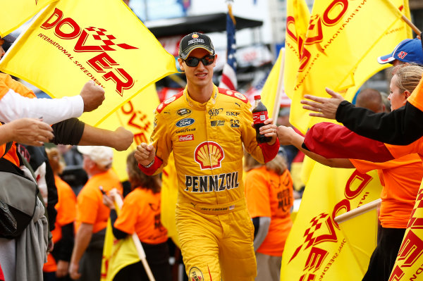 2-4 October, 2015, Dover, Delaware USA Joey Logano ?2015, Brett Moist LAT Photo USA