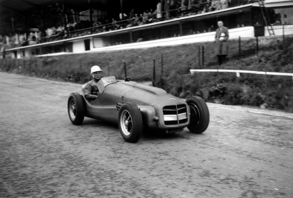 Spa-Francorchamps, Belgium. 22nd June 1952.Stirling Moss (ERA G-Type), retired, action.World Copyright - LAT Photographic.Ref: 52/23 - 24A