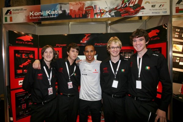 Lewis Hamilton (GBR) McLaren with the World Champion team from Ireland.