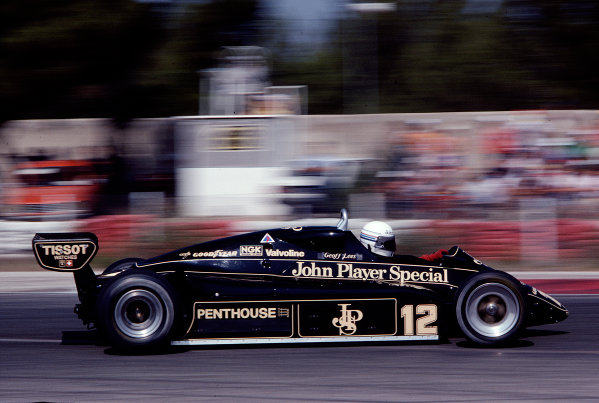 1982 French Grand Prix.Paul Ricard, Le Castellet, France.23-25 July 1982.Geoff Lees (Lotus 91 Ford) 12th position.Ref-82 FRA 25.World Copyright - LAT Photographic