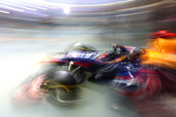 Marina Bay Circuit, Singapore21st September 2012Sebastian Vettel, Red Bull RB8 Renault. World Copyright: Andy Hone/LAT Photographicref: Digital Image HONZ2106