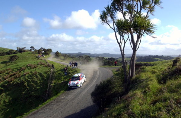 Carlos Sainz (ESP) / Luis Moya (ESP) showing signs of damage on his Ford Focus RS 02 WRC.World Rally Championship, Rd12, Propecia Rally of New Zealand Shakedown, Auckland, New Zealand, 2 October 2002.DIGITAL IMAGE