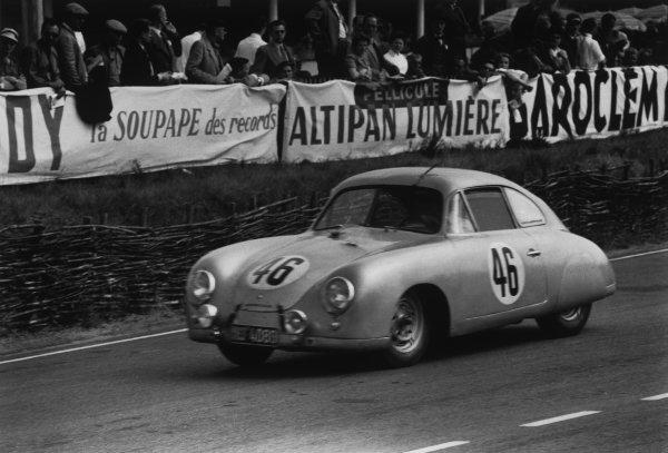 Le Mans, France. 13 - 14 June 1953.Gustave Olivier/Eugene Martin (Porsche 356), retired, action. World Copyright: LAT PhotographicRef: 53 - 54 - 12-12A.