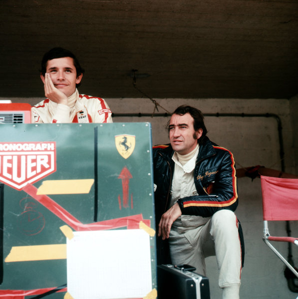 Jacky Ickx and Clay Regazzoni (right).