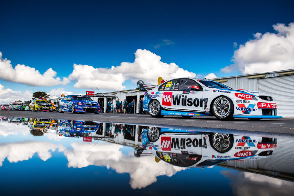 2017 Supercars Championship Round 5.  Winton SuperSprint, Winton Raceway, Victoria, Australia. Friday May 19th to Sunday May 21st 2017. Garth Tander drives the #33 Wilson Security Racing GRM Holden Commodore VF. World Copyright: Daniel Kalisz/LAT Images Ref: Digital Image 200517_VASCR5_DKIMG_5164.JPG