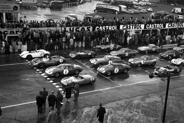 Snetterton, Norfolk, England. 26th September 1964.Start of the race with a front row from left to right of: Frank Gardner (Brabham BT8 Ford), 4th position,  Roy Salvadori (Cooper - Maserati), retired, Graham Hill (Ferrari 250 LM), retired and Barry Hart (Lotus 23), retired, action. World Copyright: LAT Photographic.Ref:  Motor Wallet 5A - 31A