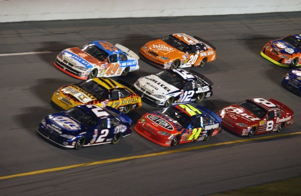 NASCAR Winston Cup Bud Shootout, Daytona International Speedway, Daytona Beach, FL, USA 8 February,2003Three-wide racing in the opening laps.World Copyright-F Peirce Williams 2003 LAT Photographicref: Digital Image Only