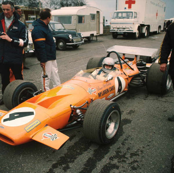 1970 International Trophy.Silverstone, Great Britain.26 April 1970.Bruce McLaren (McLaren M14A-Ford Cosworth), 4th position.Ref-3/3962B.World - LAT Photographic