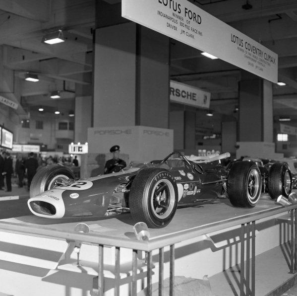 Lotus 38 (1965 Indianapolis 500 winner, Jim Clark)