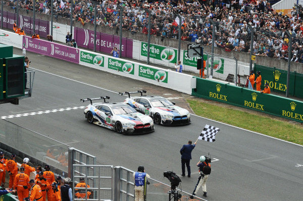 #81 BMW Team MTEK BMW M8 GTE: Martin Tomczyk, Nicky Catsburg, Philipp Eng #82 BMW Team MTEK BMW M8 GTE: Antonio Felix da Costa, Jesse Krohn, Augusto Farfus, take the checkered flag