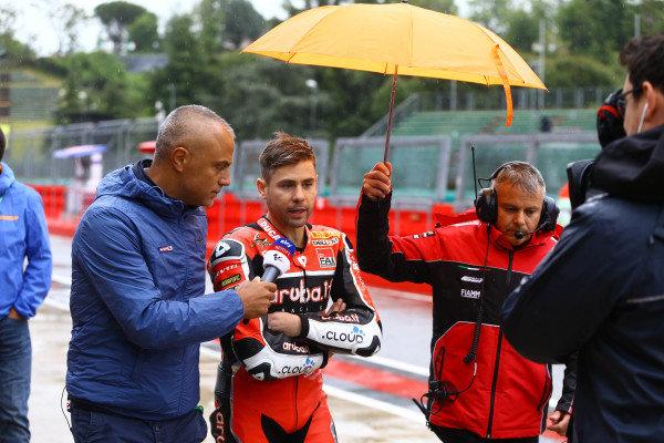 Alvaro Bautista, Aruba.it Racing-Ducati Team leaving riders briefing.