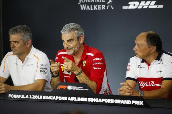 Gil de Ferran, Sporting Director, McLaren, Maurizio Arrivabene, Team Principal, Ferrari, and Frederic Vasseur, Team Principal, Sauber, in the Friday press conference.