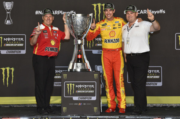 #22: Joey Logano, Team Penske, Ford Fusion Shell Pennzoil celebrates his Championship