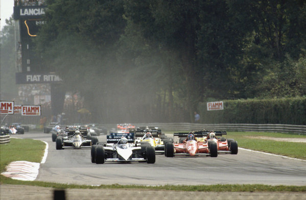Monza, Italy.9-11 September 1983.Riccardo Patrese (Brabham BT52B BMW) leads the rest of the field at the start.Ref-83 ITA 07.World Copyright - LAT Photographic