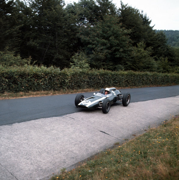 Nurburgring, Germany.3-5 August 1962.Bruce McLaren (Cooper T60 Climax) 5th position.Ref-3/0622.World Copyright - LAT Photographic