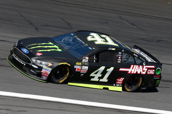 Monster Energy NASCAR Cup Series Bank of America 500 Charlotte Motor Speedway, Concord, NC Friday 6 October 2017 Kurt Busch, Stewart-Haas Racing, Monster Energy/Haas Automation Ford Fusion World Copyright: Matthew T. Thacker LAT Images