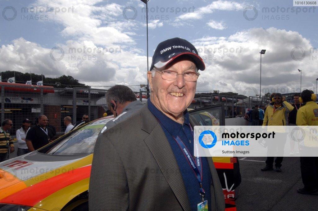 Commentating legend Murray Walker (GBR).FIA World Touring Car Championship, Rd8, Brands Hatch, England, 19 July 2009.