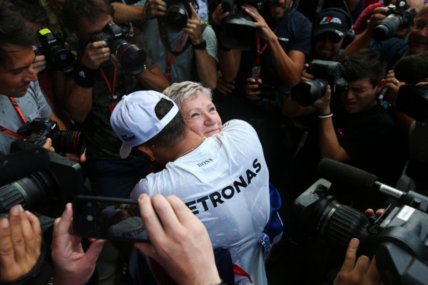 Autodromo Hermanos Rodriguez, Mexico City, Mexico. Sunday 29 October 2017. Lewis Hamilton, Mercedes AMG, embraces his mother after winning his fourth world title. World Copyright: Charles Coates/LAT Images  ref: Digital Image DJ5R7926