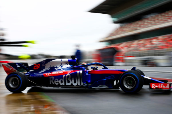 Circuit de Catalunya, Barcelona, Spain. Wednesday 28 February 2018. Brendon Hartley, Toro Rosso STR13 Honda, exits the pits. World Copyright: Andy Hone/LAT Images ref: Digital Image _ONZ9846