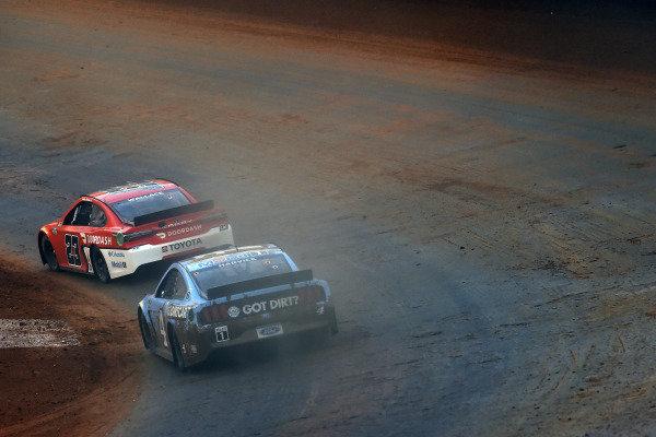 #23: Bubba Wallace, 23XI Racing, Toyota Camry DoorDash and #4: Kevin Harvick, Stewart-Haas Racing, Ford Mustang Busch Light