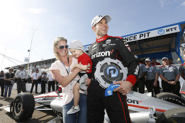 NTT P1 Award winner and polesitter Will Power with son Beau William and wife Liz