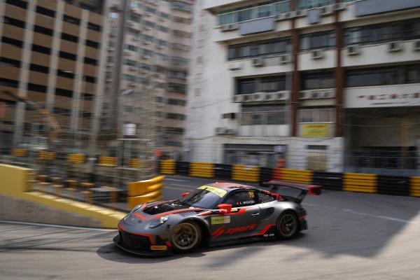 #911 Absolute Racing Porsche 911 GT3 R: Alexandre Imperatori.
