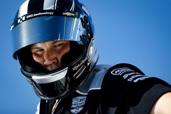 Will Power, Team Penske Chevrolet, mechanic, fueler
