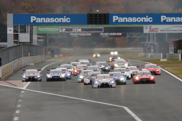 The start of race one, at Fuji's Super GT - DTM Dream Race
