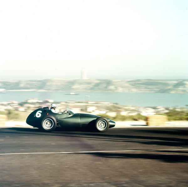 Monsanto, Lisbon, Portugal.21-23 August 1959.Harry Schell (BRM P25) 5th position.Ref-3/0110.World Copyright - LAT Photographic