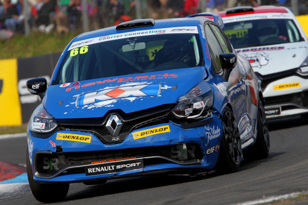 2014 Renault Clio Cup, Knockhill, Scotland. 22nd - 24th August 2014. Josh Cook (GBR) SV Racing with KX Renault Clio Cup. World Copyright: Ebrey / LAT Photographic.