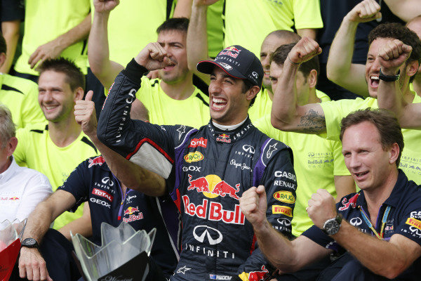 Circuit Gilles Villeneuve, Montreal, Canada. Sunday 8 June 2014. Adrian Newey, Chief Technical Officer, Red Bull Racing, Daniel Ricciardo, Red Bull Racing, 1st Position, Christian Horner, Team Principal, Red Bull Racing, and the Red Bull team celebrate victory. World Copyright: Steven Tee/LAT Photographic. ref: Digital Image _L0U4084