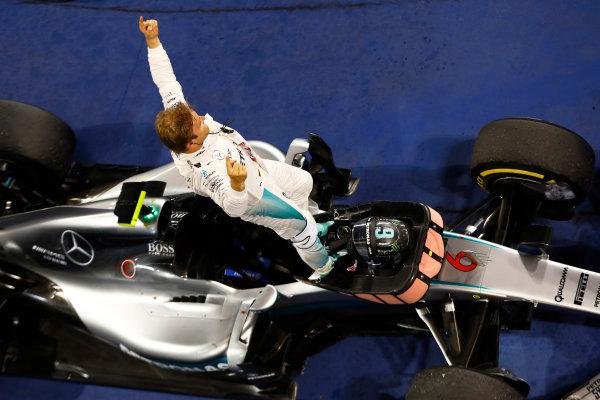 Bahrain International Circuit, Sakhir, Bahrain. Sunday 03 April 2016. Nico Rosberg, Mercedes F1 W07 Hybrid celebrates after winning the race. World Copyright: Steven Tee/LAT Photographic ref: Digital Image _H7I1807
