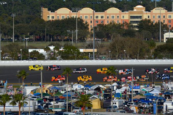 13-21 February, 2016, Daytona Beach, Florida USA Frame 3: Leader Matt Kenseth, Dollar General Toyota Camry throws a block on Denny Hamlin, FedEx Express Toyota Camry through turns 3 and 4 on the final lap. ?2016, F. Peirce Williams LAT Photo USA