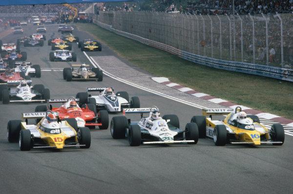 1980 Italian Grand Prix.  Imola, Italy. 12-14th September 1980.  Rene Arnoux (Renault RE20) leads Carlos Reutemann (Williams FW07B Ford), Jean-Pierre Jabouille (Renault RE20), Bruno Giacomelli (Alfa Romeo 179), Nelson Piquet (Brabham BT49 Ford) and Alan Jones (Williams FW07B Ford) at the start.  Ref: 80ITA06. World Copyright: LAT Photographic