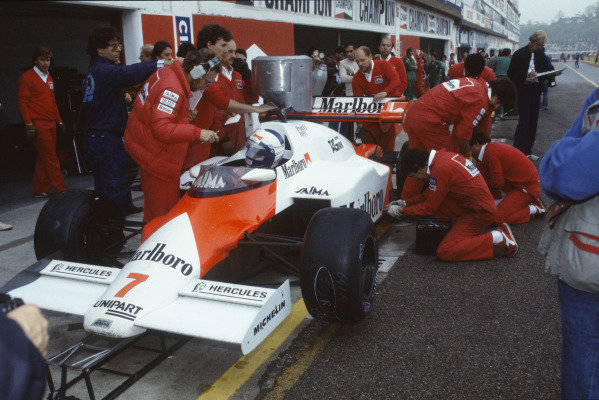 1984 San Marino Grand Prix. Imola, Italy. 4th - 6th May 1984. Alain Prost (McLaren MP4/2-TAG Porsche), 1st position, pit stop, action.  World Copyright: LAT Photographic. Ref:  84 SM b
