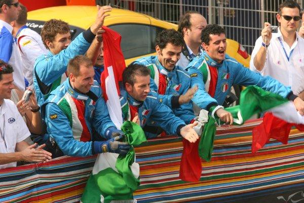 2005 A1 Grand Prix Championship.Round 6, Dubai Autodrome. 9th - 11th December 2005.The Italian TeamWorld Copyright: Batchelor/LATref: Digital Image Only