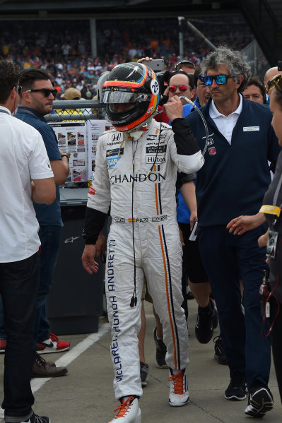 Verizon IndyCar Series Indianapolis 500 Race Indianapolis Motor Speedway, Indianapolis, IN USA Sunday 28 May 2017 Race retiree Fernando Alonso (ESP) McLaren Honda Andretti Autosport World Copyright: Jose Rubio/Sutton/LAT Images ref: Digital Image dcd1728my1003