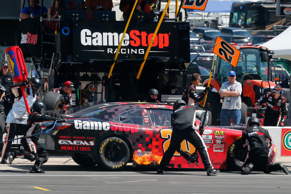 2017 NASCAR Xfinity Series My Bariatric Solutions 300 Texas Motor Speedway, Fort Worth, TX USA Saturday 8 April 2017 Erik Jones, Game Stop/ GAEMS Toyota Camry pit stop World Copyright: Russell LaBounty/LAT Images ref: Digital Image 17TEX1rl_3789