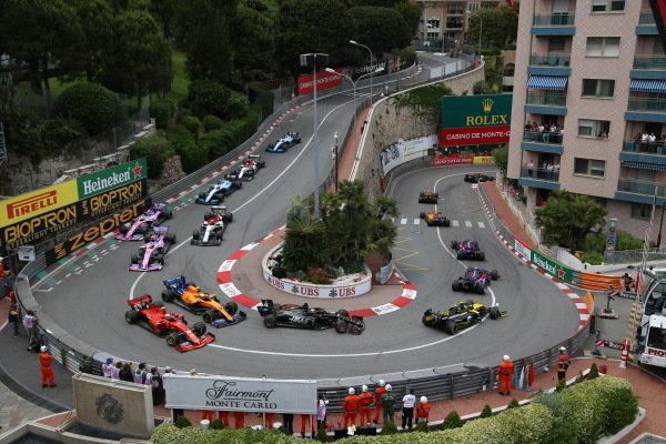 Pierre Gasly, Red Bull Racing RB15, leads Carlos Sainz Jr., McLaren MCL34, Daniil Kvyat, Toro Rosso STR14, Alexander Albon, Toro Rosso STR14, Nico Hulkenberg, Renault R.S. 19, Romain Grosjean, Haas VF-19, Lando Norris, McLaren MCL34, and Charles Leclerc, Ferrari SF90