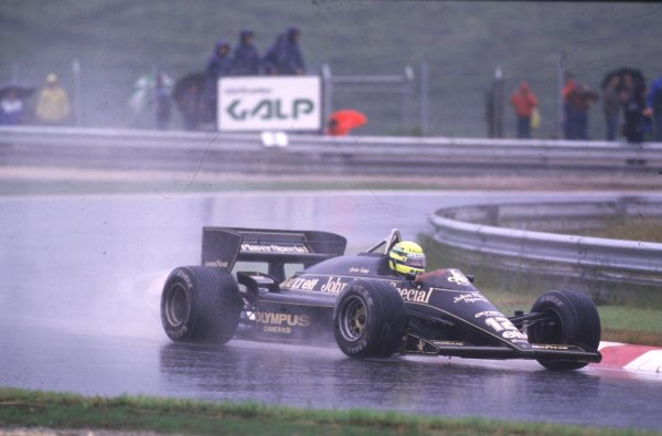1985 Portuguese Grand Prix.Estoril, Portugal.19-21 April 1985.Ayrton Senna (Lotus 97T Renault) 1st position.World copyight - LAT Photographic