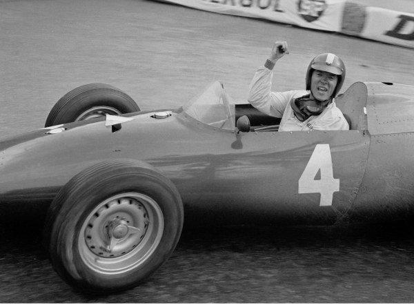 Dan Gurney (USA) BRM P48, waves to Photographer David Phipps. Monaco Grand Prix, Monte-Carlo, 29 May 1960.