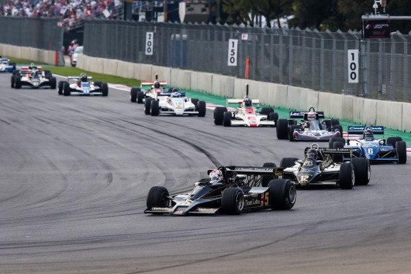 Katsuaki Kubota (JPN) Lotus 78 leads at Masters Historic, Circuit Hermanos Rodriguez, Mexico City, Mexico, 27-29 October 2017.