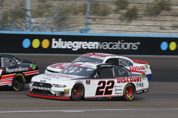 #22: Austin Cindric, Team Penske, Ford Mustang Discount Tire