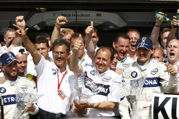 Circuit Gilles Villeneuve, Montreal, Canada8th June 2008.Nick Heidfeld, BMW Sauber F1 08, 2nd position, Robert Kubica, BMW Sauber F1 08, 1st position, Mario Theissen, Director, BMW Motorsport. and Willy Rampf, Technical Director, BMW Sauber, celebrate with their team. Portrait. World Copyright: Charles Coates/LAT Photographic.ref: Digital Image _26Y6359