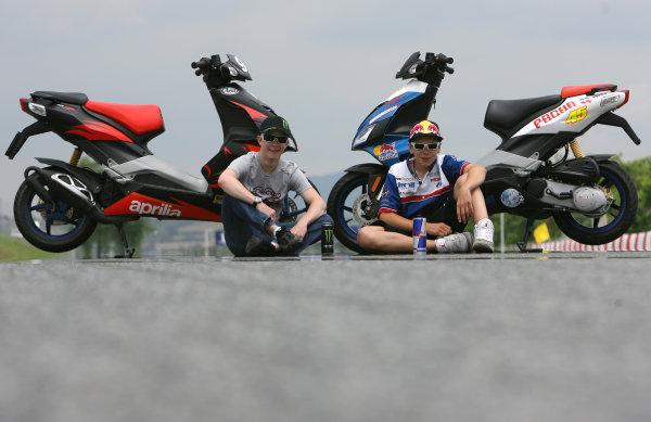 Circuit de Catalunya, Barcelona, Spain.5th June 2008.Scott Redding Blusens Aprilia Junior and Danny Webb Degraaf Grand Prix Aprilia 125cc.World Copyright: Martin Heath / LAT Photographicref: Digital Image Only